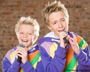 2 Boys Color