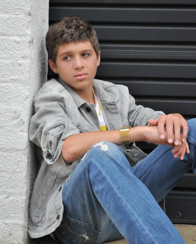 Tyler Layne sit