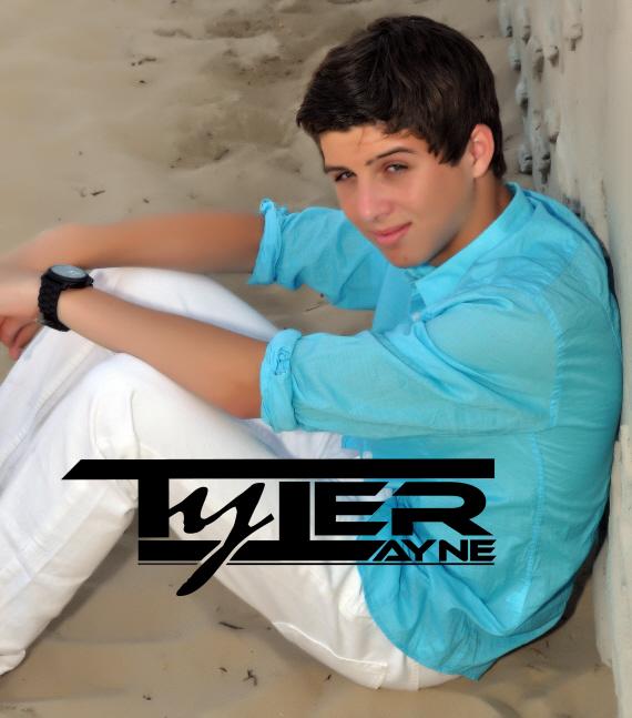 Tyler Signature Photo