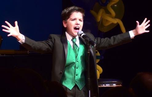 Shane Treloar Performs