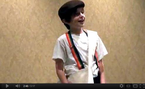 Beamer Newsboy Performance