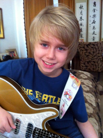 Griffin Tucker w/Guitar