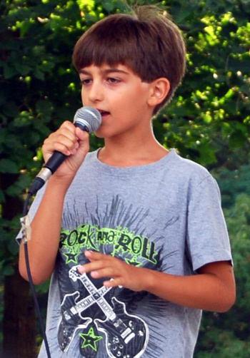 Luka Performs