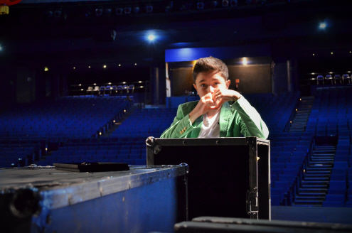 Sebastián in Theater